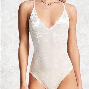 🎉5 for $25🎉 Forever 21 Velvet Bodysuit